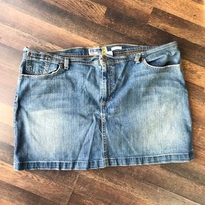 Old Navy plus size 20 jean mini skirt
